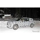 メルセデスベンツの新型SUV「GLB」スクープ写真