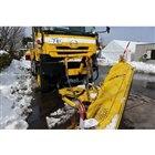 現役で除雪している車両