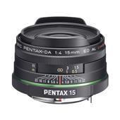 [smc PENTAX-DA 15mmF4ED AL Limited] 35mm判換算で23mm相当の撮影が可能なKAF2マウント用超広角単焦点レンズ (最短撮影距離0.18m)。価格はオープン