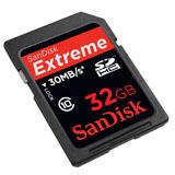 [SanDisk Extreme SDHCカード 32GB] SDスピードクラス「Class10」に対応した高速SDHCカード(32GB)。価格はオープン