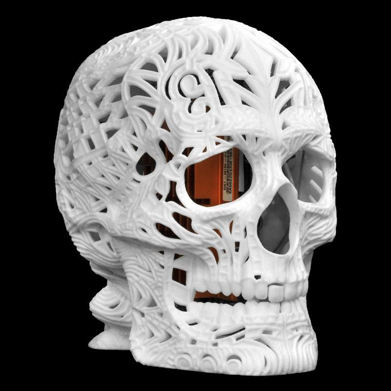 リンクス、3Dプリンターで造形したドクロ型デスクトップPCを限定発売 画像1