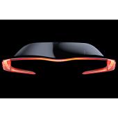 今回公開された、新型車のティーザー画像。リアコンビランプのイメージと思われる。