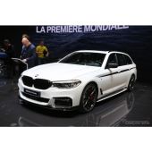 BMW 5シリーズ ツーリング 新型のMパフォーマンスパーツ装着車(ジュネーブモーターショー2017)