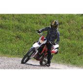 原付2種免許で乗ることができる SMW RS125R。