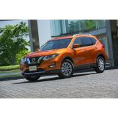 「日産エクストレイル20Xハイブリッド」(4WD)。ボディーカラーは新色の「プレミアムコロナオレンジ」。