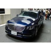 「メルセデス・ベンツS400」。「Sクラス」の発表会は、東京外環道の三郷南ICと高谷JCTの間の未開通区間を利用して行われた。