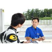 エンジン実験担当、小林勇太郎さん。