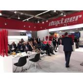 レベル2〜5の自動運転に対応した新ステアリング技術を発表したネクステア(フランクフルトモーターショー2017)