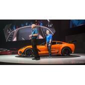 新型シボレー・コルベットZR1のセブリング・オレンジ・デザイン・パッケージ(ドバイモーターショー2017)