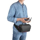 マンフロット、DJI製コンパクトドローン「Mavic」用のスリングバッグなど