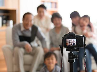 セルフタイマーを使い、カメラから離れて撮影できる