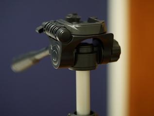 カメラの向きを調整する雲台のタイプをチェック
