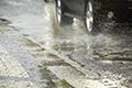 自然災害での損害に車両保険は使える?
