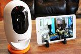 おやつ機能を搭載したペット特化型ネットワークカメラ「PAWBO+」登場!最大8台のデバイスで同時接続できる