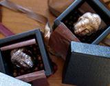 恐れ多い…大仏様の形をしたシュールなチョコレート