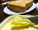 秘密は体温。バターを溶かしながら塗れる革命的ナイフ