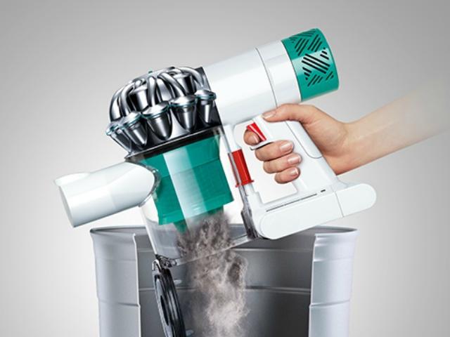 簡単で清潔なゴミ捨て : ワンタッチでゴミを捨てることができます。