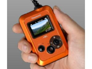 手元で操作可能な、カラー液晶モニターを本体部に搭載