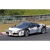 フェラーリ栄光の「GTO」、2018年復活か…謎のテスト車両を目撃