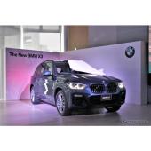 【BMW X3 新型】競合を凌駕する運転支援がポイント