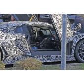 ニュル最速へスタンバイ…ランボルギーニ イオタ 新型、全開シザードアの中に見えたもの