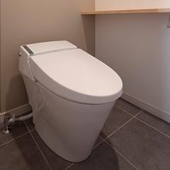 便器交換、手洗いを設置して内装も新しく