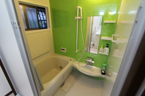 さわやかな雰囲気のバスルーム