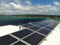 独自開発した沖縄特別仕様の太陽光発電システム