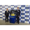 写真左より、日本グッドイヤーの金原雄次郎代表取締役社長と、米グッドイヤーのマイク・リトコスキー アジア・パシフィック地区 消費財担当副社長。