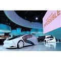 メインステージで披露された「トヨタConcept-愛i」シリーズ。左がシリーズを代表する四輪モデル。