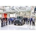 メルセデスベンツ Gクラス 新型の量産第一号車がラインオフ