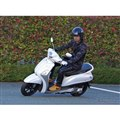ヤマハのハイブリッドスクーター「NOZZA GRANDE(ノザグランデ)」に本邦初試乗。ホンダPCXハイブリッドとの違いは