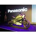 パナソニックのプレカンで披露されたハーレーの電動バイク、LiveWire