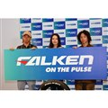 写真左から中村輪夢選手、松本遥奈選手、平野歩夢選手。