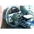 BMW M4 新型プロトタイプの内装。MTのシフトレバーが確認できる(スクープ写真)