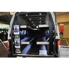 NV350キャラバンをベースにオグショーが製作した「New-HALE CARAVAN」。写真の2段ベッドは中央をボードで塞ぐことができるほか、サイドに跳ね上げて収納も可能