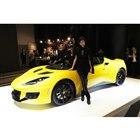ボディーカラーは写真の車両の「ソリッドイエロー」を含め、全10色が用意されている。