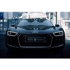 「The Audi R8 Star of Lucis」は、ルシス王国のノクティス王子の20歳の誕生日を祝して、アウディより献上されたという設定。アウディとルシス王立財団の測定によると、最高速度は330km/hに達するという。