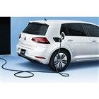 急速充電ソケットは、ガソリン車の給油口と同じ位置に設置される。