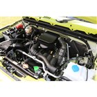 「ジムニー」のエンジンは、従来の「K6A」型から、ロングストロークが特徴の「R06A」型に変更...