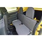 収納することを前提としているため、リアシートの座面とシートバックも薄くて硬い。「G・Honda...
