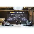 GMインドネシアが発表した新型スパーク(左)と新型トレイルブレイザー