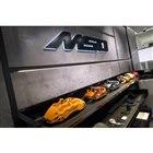 ショールーム内には、カスタマイゼーションやビスポークなどのサービスを提供するMSO(マクラーレ...