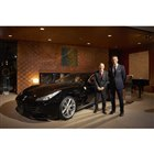 イベントに参加したジョルジョ・ストラーチェ駐日イタリア大使(写真左)とエンリコ・ガリエラ ?フ...