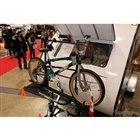 オプションの専用自転車ラックは販売店社長のおすすめ。