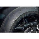 タイヤはピレリのハイパフォーマンスタイヤ「ディアブロ・ロッソコルサ3」