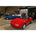 手前から、初代「ロードスター」と、2代目に設定された「10周年記念車」、3代目に設定された「2...