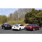 左から、トヨタ カムリ、ホンダ インサイト、スバル レガシィB4