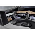 完全自動運転可能な地域以外では通常運転が行えるよう、ステアリングホイールとペダル類を備えている。