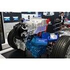 フロントセクションには2.4リッターガソリンエンジンやジェネレーター、駆動用モーターなどが積ま...